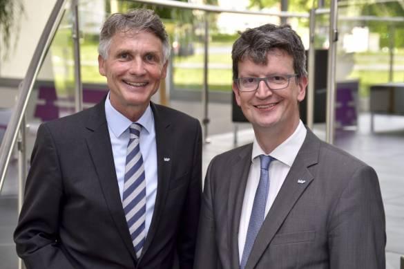 Der Vortand der bdks: Vorstandsvorsitzender Pfarrer Joachim Bertelmann und Kaufmännischer Vorstand Michael Conzelmann (v.l.)