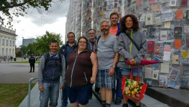 Die diakom Kassel beim Besuch der documenta. Foto: bdks