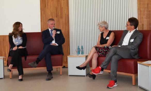 Engagiertes Podiumsgespräch: Denise Nitsche Markus Vollmer, Sabine Jahner und Carsten Rahier.