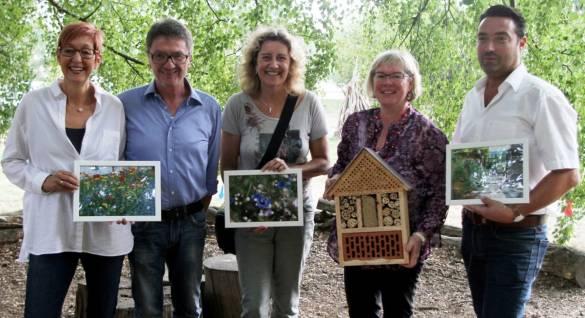 Die Gewinner de Fotowettbewerbs (von links): Susanne und Bernd Kistner, Silke Krug, Erste Stadträtin Silke Engler und Denis Blum