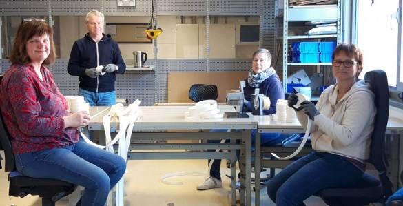 Sie arbeiten mit dem vorgegebenen Abstand: Sabine Rothe, Burkhard Finke, Christina Pelz und Gabi Krannich (von links)  Foto: Claudia Lieberknecht