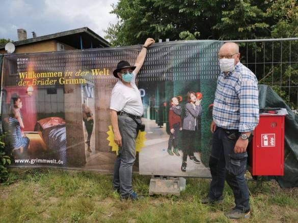 Bei den verschiedenen Arbeiten auf dem Campingplatz wird auf den Mundschutz geachtet